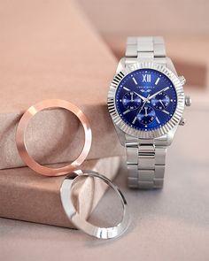 Antonio Banderas Design Michael Kors Watch, Bracelet Watch, Watches, Bracelets, Design, Unique Watches, Clock For Kids, Bezel Ring, Pop Of Color