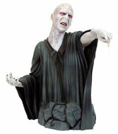 Harry Potter Lord Voldemort bust/statue ~Gentle Giant~J. Harry Potter Voldemort, Lord Voldemort, Harry Potter Magic, Gentle Giant, Movie Characters, Disney, Mini, Collection, Toys