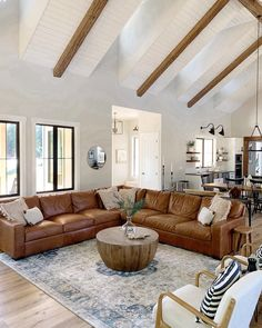 Farmhouse Living Room Decor Ideas For Comfortable Home Farmhouse Living Room Decor Ideas For Comfortable Home Ali Slaughter Home Designs Farmhouse Living Room Decor Ideas […] living room leather Living Room Modern, My Living Room, Living Room Designs, Living Room Decor Colors, Eclectic Living Room, Living Room Windows, Shed Decor, Living Room Sectional, Family Room With Sectional