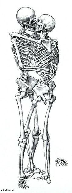 Skeletons kissing Love Never Dies, Human Anatomy, Anatomy Art, Skull And Bones, Vanitas, Skeleton Love, Art Drawings, Tattoo Designs, Till Death