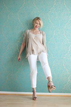 A fashion blog for women over 40 and mature women http://glamupyourlifestyle.blogspot.de/  Top + Shoes: Dorothee Schumacher Pants: NYDJ Cardigan: Zara