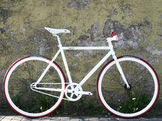 Nice Singlespeed Bike in metallic white