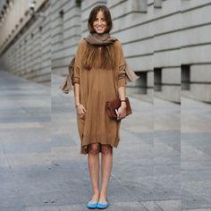 Sapatilha Turquesa #vestido #dress #look #looks #streetstyle sapatilha #shoes #lenço #manta #cachecol #turquesa #bolsa #moda #fashion