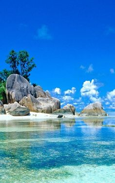 Perfect beach on #Seychelles