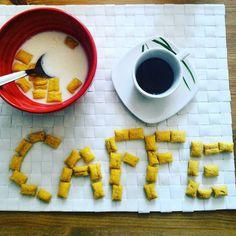 Per quelli che la mattina.... Non rivolgetemi la parola prima del mio CAFFÈ! #coffeelovers #italiancoffee #caffenero #colazioneitaliana #chiacchiereacolazione #coffeaddict #infinity_coffeebreak #coffeart #rdd_food #socialcolazioni #socialfoodlove #kelloggs #kelloggskrave #buongiorno #pocket_food #pocket_collage #messaggi #primadelcaffè