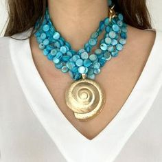 The most pointed out reason that individuals buy from the items of independent precious jewelry designers is since they think that these fashion jewelry are art they can use. Summer Jewelry, Beach Jewelry, Boho Jewelry, Bridal Jewelry, Jewelry Art, Jewelery, Diy Necklace, Necklace Designs, Fashion Necklace