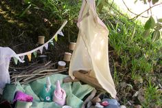Tiny dolls and small collections of shells, stones, fabric etc. Tiny Dolls, Outdoor Furniture, Outdoor Decor, Kids Toys, Shells, Stones, Collections, Fabric, Childhood Toys