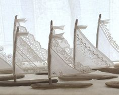 TEN 5.5 to 5.75 inch Tall Driftwood Sailboats di LoveEmbellished
