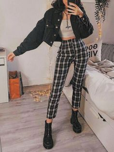 10 Fashion Trends For Autumn ( Fall) Winter 2019 & How To We.- 10 Fashion Trends For Autumn ( Fall) Winter 2019 & How To Wear Them Now Fall grunge fashion style outfit inspiration - Style Outfits, Edgy Outfits, Cute Casual Outfits, Retro Outfits, Fashion Outfits, Fashion Trends, Fashion Fashion, Fashion Women, Fashion Clothes