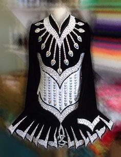 Love the trim! Irish Dance Solo Dress #Irish_Dancing #Costume