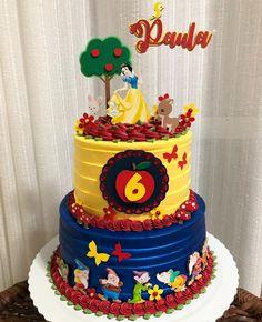 Little Girl Birthday Cakes, 1st Birthday Party For Girls, Girl Birthday Decorations, Girl Birthday Themes, Creative Cake Decorating, Cake Decorating Techniques, Ben And Holly Cake, Snow White Cake, Snow White Birthday