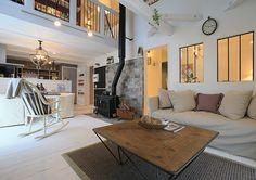 窓の感じ-(株)アトリエボヌール Home And Deco, Entryway, Gallery Wall, Shabby, Patio, Dining, Outdoor Decor, House, Furniture