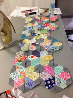 Jewel flowers made with Jaybird quilts Hex-n-More quilting ruler. Want it, Need it, Quilt!: 112 shades of Kate - Aussie Charm Swap