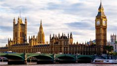 England's royal family has been the main attraction in London getting millions of people visiting the Houses of Parliament & Big Ben Cheap Hotels London, Amsterdam, Hotel Safe, London Attractions, Hotel Reservations, London Skyline, Houses Of Parliament, Great Hotel, Hotel Deals