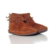 Minnetonka Moccasins 70s SUEDE Leather FRINGE Boho 1970s Hippie Native American Booties Ankle Boots Vintage Flats Shoes Ethnic Boho Brown 7