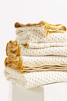 So cozy! Anthropologie Dotted Jacquard Towel Collection #anthropologie #anthrofave #anthrohome #bathroom #towels #bathroomideas #ad
