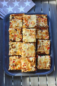 Kanapeet: Tex mex jauhelihapiirakka - uunipellillinen Baking Recipes, Dessert Recipes, Healthy Recipes, Finnish Recipes, Good Food, Yummy Food, Savoury Baking, Sweet Pastries, Sweet And Salty