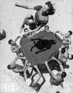 Hermosa Beach, 1948.  Photo by John Florea