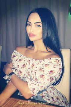 Nita Kuzmina, Off Shoulder Blouse, Beautiful Women, File Size, Model, Hair, Bloom, Image, Beauty