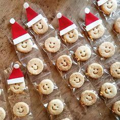 OKU菓子の定番ニッコリクッキーをサンタさんに♥ Xmas Food, Christmas Desserts, Christmas Cookies, Bakery Packaging, Food Packaging Design, Cookie Cake Pie, Cookie Box, Baby Cookies, Fun Cookies