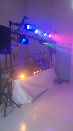 Amplis musiques disco cha nes de lumi res et ampli - Table de mixage avec carte son integree ...