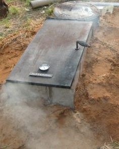 Mar's finally couldn't stand not having some sort of smoker. - Mar's finally couldn't stand not having some sort of smoker. Build A Smoker, Diy Smoker, Bbq Pit Smoker, Bbq Grill, Homemade Smoker Plans, Smoker Recipes, Outdoor Smoker, Backyard Smokers, Outdoor Grilling