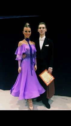 Ballroom Dancing Has actually Never Been Hotter. Ballroom Dancing has never ever been hotter than it is now ever since Dancing with the Stars struck the air. Latin Ballroom Dresses, Ballroom Dancing, Contemporary Dance Costumes, Baile Latino, Ballroom Costumes, Salsa Dress, Bolero, Dance Fashion, Junior Dresses