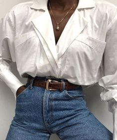 Styling Classic Outfits White Button Up Classic Top + High Waisted Vintage Jeans Simple Outfits, Fall Outfits, Cute Outfits, Fashion Outfits, Fashionable Outfits, Classic Outfits, Sexy Outfits, Summer Outfits, Fashion Tips