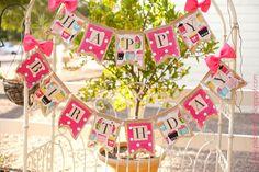 Cupcake birthday burlap banner - this vendor has the cutest designs!