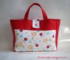 Love this lady's designs and colours.  Flor de Retalho: Refil de bolsa
