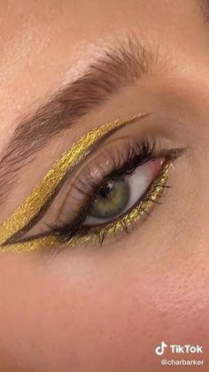 Fancy Makeup, Edgy Makeup, Makeup Goals, Makeup Inspo, Makeup Inspiration, Eyeliner Designs, Eye Makeup Designs, Eyeliner Styles, Eyeliner Looks
