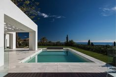 #Modern #villa in #EastMarbella see thttp://bablomarbella.com/en/show/sale/25137/new-build-luxury-house-with-panoramic-views/