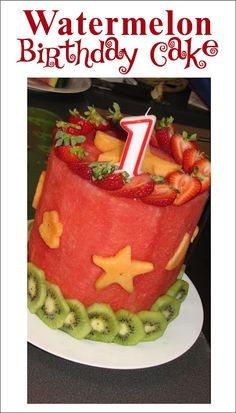A real fruit cake - watermelon, kiwi, cantaloupe, & strawberries. Marshall **A WATERMELON cake for Momma's Bday next year? Yummy Treats, Sweet Treats, Good Food, Yummy Food, All Fruits, Think Food, Creative Food, How To Make Cake, Amazing Cakes