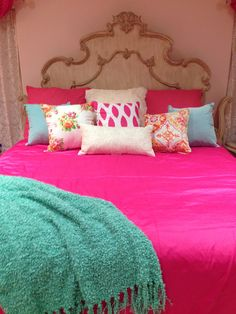 Girly Bedroom For The Gurls When They Have Sleepovers!