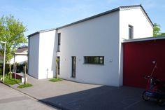images_Projekte_E2_einfamielienhaus_fassade_strasse.jpg.46f7a2318b9194cb87a91116681f71e3.png 600×400 Pixel