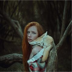 まるで絵本から飛び出したような登場人物たちの写真を撮り続ける、アメリカ在住のウクライナ人写真家アニタ・アンティ(Anita Anti)さんを紹介。