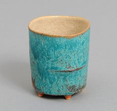 JAPANESE POTTERY: Gyorenbo Gama Medium Cup, Blue With Legs