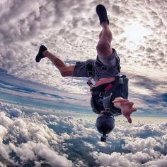 Cuando por fin se ha quitado una pesada carga o el estrés en tu Vida. Te sentirás tan libre que podrías Volar...  ॐ