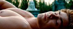 Pin for Later: Rincez-vous l'oeil avec ces GIFs de Zac Efron torse nu !!