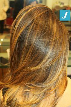 Esiste un luogo in cui la regola è divertirsi: dal parrucchiere! Giocare con i colori, coccolarsi ed esprimere un desiderio... Tutto questo con la magia del Degradé Joelle! #cdj #degradejoelle #tagliopuntearia #degradé #igers #musthave #hair #hairstyle #haircolour #longhair #oodt #hairfashion #madeinitaly