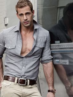 William Levy, omgggg what a very handsome man William Levi, Mode Masculine, Jean 1, Herren Outfit, Hommes Sexy, Attractive Men, Cute Guys, Gorgeous Men, How To Look Better