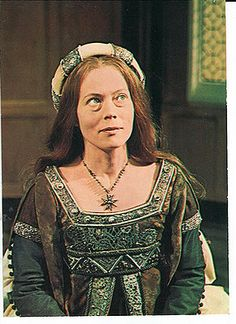 Annette Crosbie as Catherine of Aragon--one of the few times Catherine has been played by a lady of the appropriate coloring!  Catherine was famed for her beautiful skin and red-gold hair.
