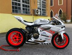 #Ducati1299 #Ducati1199 #Ducati #CustomMotorcycle FIM Superbike World Championship, Yamaha YZF-R1, Motorcycle, Paint - Follow #extremegentleman for more pics like this!