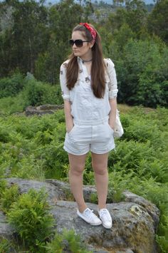 #looks #outfits #verano #summer #2017 #luztieneunblog #vacations #shorts #cita #findesemana #rotos #entretiempo #casual #otoño #primavera #trendy #clase #mono #compras #diario #chic #weekend #sport #white #verano #bandana #gatos #cats #fashionblogger #trendy #tendencias #blogger #vigo