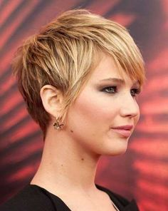 6.Pixie Haircut for Round Faces