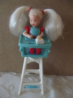 """Vintage Barbie Eatin' Fun Kelly In High Chair Mcdonald's Toy #3 1998 Doll 4"""" #Dolls"""