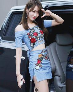 sao-han-13-9-yoon-ah-khoe-dang-manh-mai-cl-sexy-danh-bat-madonna-6