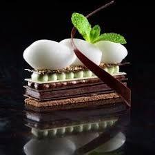 Benoit et Brigitte Violier Chocolate & Mint Dessert. Gourmet Desserts, Fancy Desserts, Plated Desserts, Gourmet Recipes, Sweet Recipes, Delicious Desserts, Dessert Recipes, Dessert Chef, Patisserie Fine