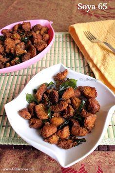 Increasing numbers of people are turning to a vegetarian diet because of its many health benefits, however, sometimes it can be difficult to find inspiring Healthy Thai Recipes, Veg Recipes, Curry Recipes, Indian Food Recipes, Vegetarian Recipes, Cooking Recipes, Indian Snacks, Snack Recipes, Tasty Snacks