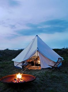 I would actually love a holliday in a tent like this. Preferably on the beach. In the summer. <3